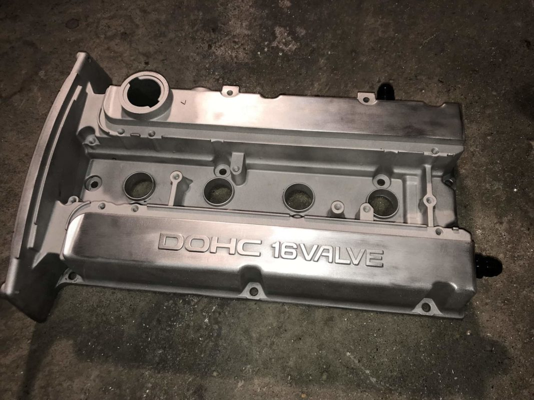-8 AN fittings for breather lines on valve cover from 4G63 engine, Evo 6